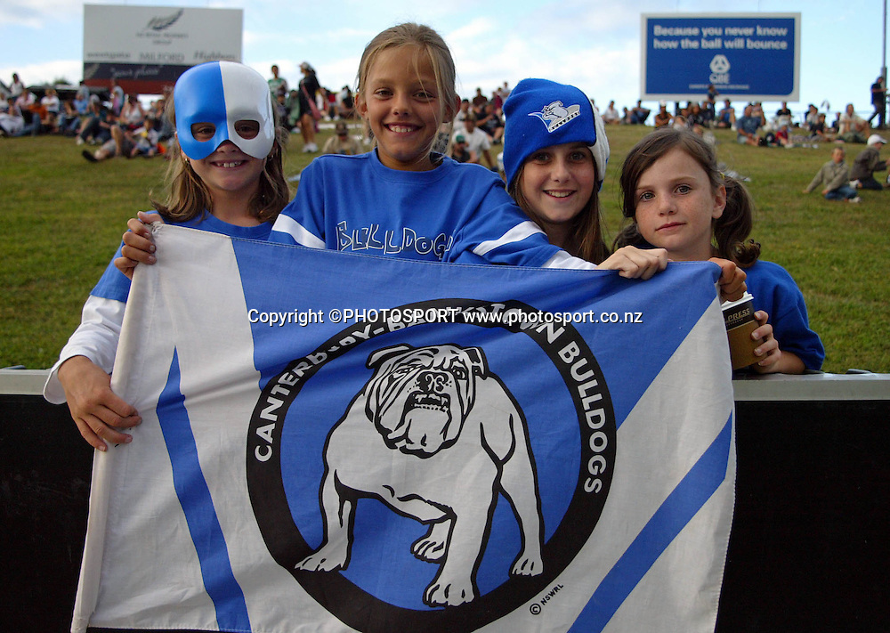Bulldogs fans show their support during the preseason NRL match between the Vodafone Warriors and Bulldogs held at Albany Stadium, Auckland, on Saturday 3 March 2007. Photo: Renee McKay/PHOTOSPORT