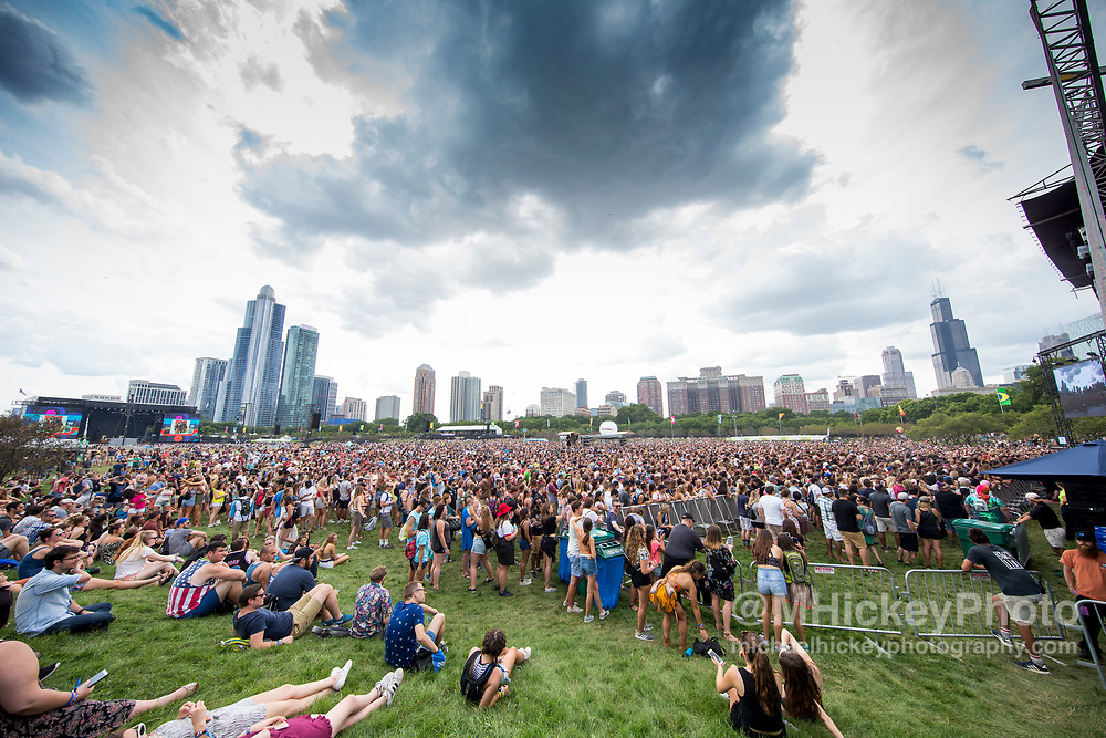 CHICAGO, IL - AUGUST 05: General atmosphere seen on day of three of Lollapalooza at Grant Park on August 5, 2017 in Chicago, Illinois. (Photo by Michael Hickey/Getty Images)