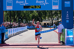 London, May 25th 2014. Andy Vernon wins the Bupa London 10,000 in a time of 29 minutes and 32 seconds.
