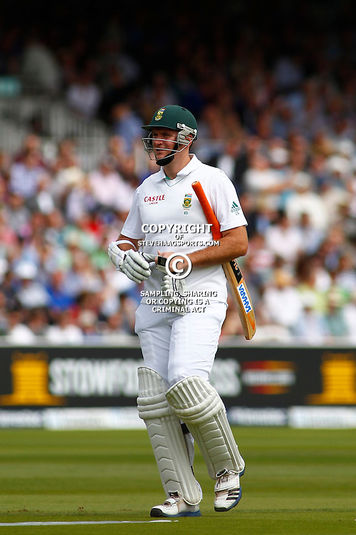 16/08/2012 London, England. South Africa's Graeme Smith walks off after being dismissed during the third Investec cricket international test match between England and South Africa, played at the Lords Cricket Ground: Mandatory credit: Mitchell Gunn