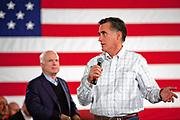 Salem, New Hampshire, USA, 20120105: Den republikanske presidentkandidaten Mitt Romney får drahjelp av tidligere presidentkandidat John Mc Cain. Begge roste hverandre og svarte på sprøsmål under et kampanjestopp i Salem. Foto: Ørjan F: Ellingvåg