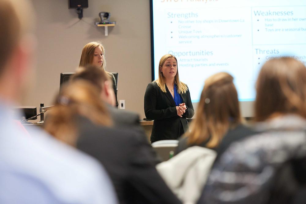 -UWL UW-L UW-La Crosse University of Wisconsin-La Crosse; Candid; Classroom; Collaborating; day; December; Group; Inside; Student students; Wing; Woman women