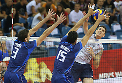07.09.2014, Krakow Arena, Krakau, POL, FIVB WM, Italien vs USA, Gruppe D, im Bild SIMONE PARODI, DRAGAN TRAVICA (TYLEM), MATTHEW ANDERSON // during the FIVB Volleyball Men's World Championships Pool D Match beween Italy and USA at the Krakow Arena in Krakau, Poland on 2014/09/07. <br /> <br /> ***NETHERLANDS ONLY***