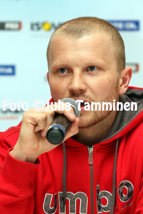 3.5.2012, SLU-talo, Helsinki..Superpesiksen avaustilaisuus..Sami Partanen - Kiteen Pallo-90
