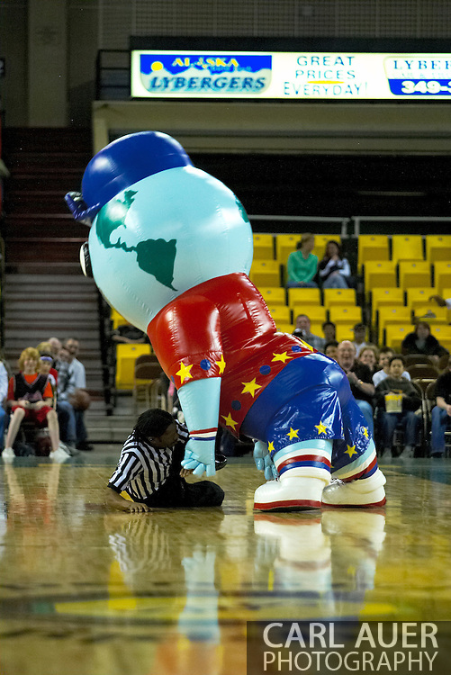 05 May 2006: 'Big G' attacks the referee during the Harlem Globetrotters vs the New York Nationals at the Sulivan Arena in Anchorage Alaska during their 80th Anniversary World Tour.