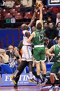 DESCRIZIONE : Milano Coppa Italia Final Eight 2014 Semifinale Montepaschi Siena Enel Brindisi<br /> GIOCATORE : Spencer Nelson<br /> CATEGORIA : Stoppata Controcampo<br /> SQUADRA : Montepaschi Siena<br /> EVENTO : Beko Coppa Italia Final Eight 2014<br /> GARA : Montepaschi Siena Enel Brindisi<br /> DATA : 08/02/2014<br /> SPORT : Pallacanestro<br /> AUTORE : Agenzia Ciamillo-Castoria/Max.Ceretti<br /> Galleria : Lega Basket Final Eight Coppa Italia 2014<br /> Fotonotizia : Milano Coppa Italia Final Eight 2014 Semifinale Montepaschi Siena Enel Brindisi<br /> Predefinita :