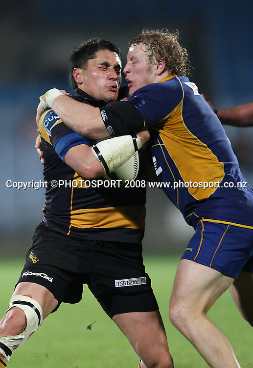 Shayne Austin and Eben Joubert clash.<br /> Air NZ Cup, Otago v Taranaki, Carisbrook, Dunedin, Friday 19 September 2008. Photo: Rob Jefferies/PHOTOSPORT
