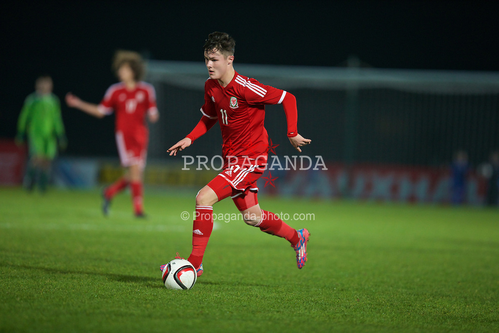 BALLYMENA, NORTHERN IRELAND - Thursday, November 20, 2014: Wales' Liam Cullen in action against Northern Ireland during the Under-16's Victory Shield International match at the Ballymena Showgrounds. (Pic by David Rawcliffe/Propaganda)