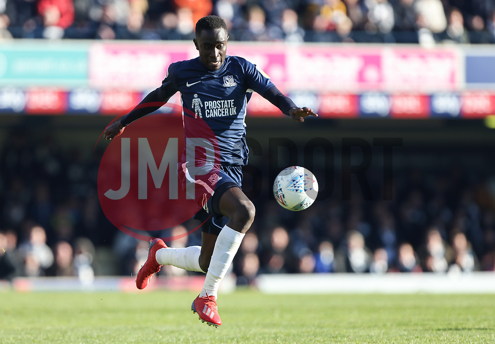 Elvis Bwomono of Southend United on the ball - Mandatory by-line: Arron Gent/JMP - 04/05/2019 - FOOTBALL - Roots Hall - Southend-on-Sea, England - Southend United v Sunderland - Sky Bet League One