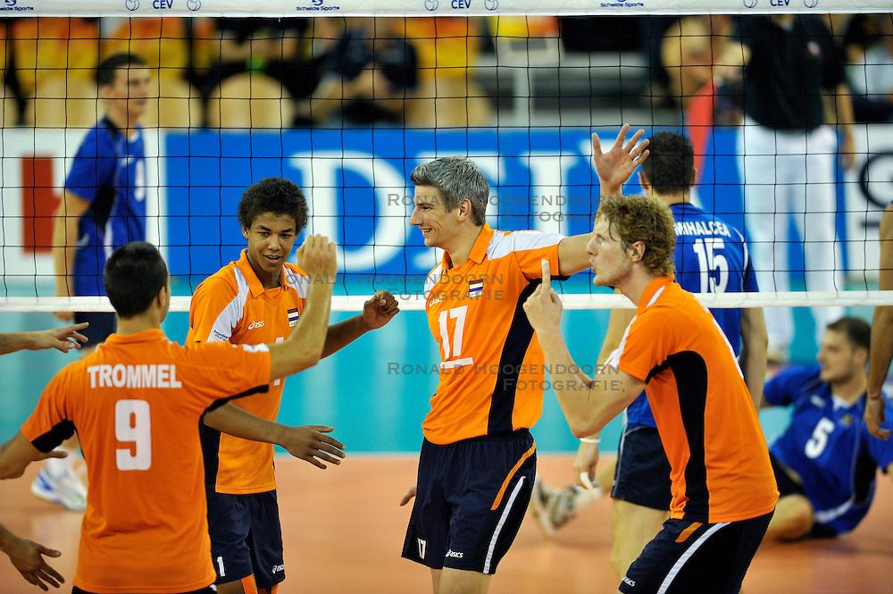 03-09-2011 VOLLEYBAL: PRE OKT NEDERLAND - ROEMENIE: EINDHOVEN<br /> Nimir Abdelaziz, Rob Bontje, Kay van Dijk<br /> &copy;2011-FotoHoogendoorn.nl