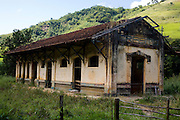 Acaiaca_MG, Brasil...Antiga estacao ferroviaria de Crasto...The ancient Castro  railroad station...Foto: LEO DRUMOND / NITRO.