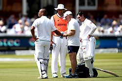 Vernon Philander of South Africa receives treatment after being hit by James Anderson of England - Mandatory by-line: Robbie Stephenson/JMP - 08/07/2017 - CRICKET - Lords - London, United Kingdom - England v South Africa - Investec Test Series