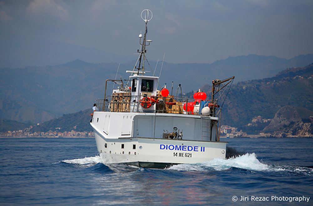 ITALY SICILY GIARDINI NAXOS 7MAY08 - Pursuit of illegal driftnet fishing boat Diomede II fishing vessel to their home port of Giardini Naxos in Sicily in the Mediterranean Sea...jre/Photo by Jiri Rezac / Greenpeace..© Jiri Rezac 2008..Contact: +44 (0) 7050 110 417.Mobile:  +44 (0) 7801 337 683.Office:  +44 (0) 20 8968 9635..Email:   jiri@jirirezac.com.Web:    www.jirirezac.com..© All images Jiri Rezac 2008 - All rights reserved.