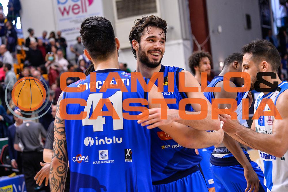 Brian Sacchetti, Michele Vitali<br /> Banco di Sardegna Dinamo Sassari - Germani Basket Leonessa Brescia<br /> Legabasket Serie A LBA PosteMobile 2017/2018<br /> Sassari, 08/04/2018<br /> Foto L.Canu / Ciamillo-Castoria