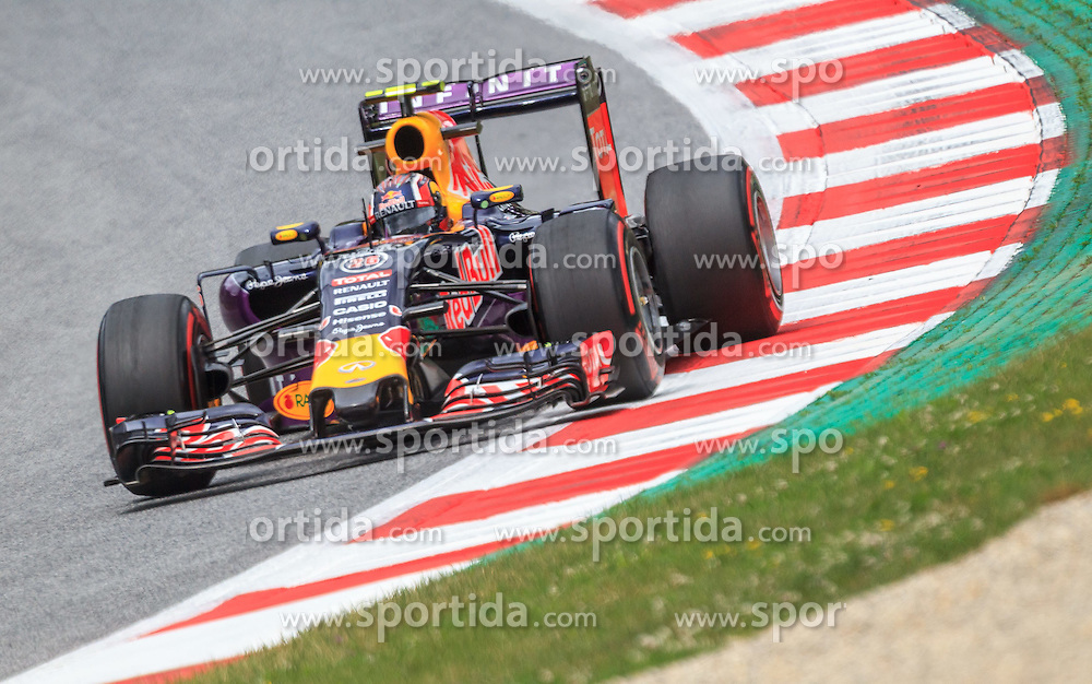 19.06.2015, Red Bull Ring, Spielberg, AUT, FIA, Formel 1, Grosser Preis von Österreich, Training, im Bild Daniil Kwjat, (RUS, Infiniti Red Bull Racing)) // during the Practice of the Austrian Formula One Grand Prix at the Red Bull Ring in Spielberg, Austria, 2015/06/19, EXPA Pictures © 2014, PhotoCredit: EXPA/ JFK
