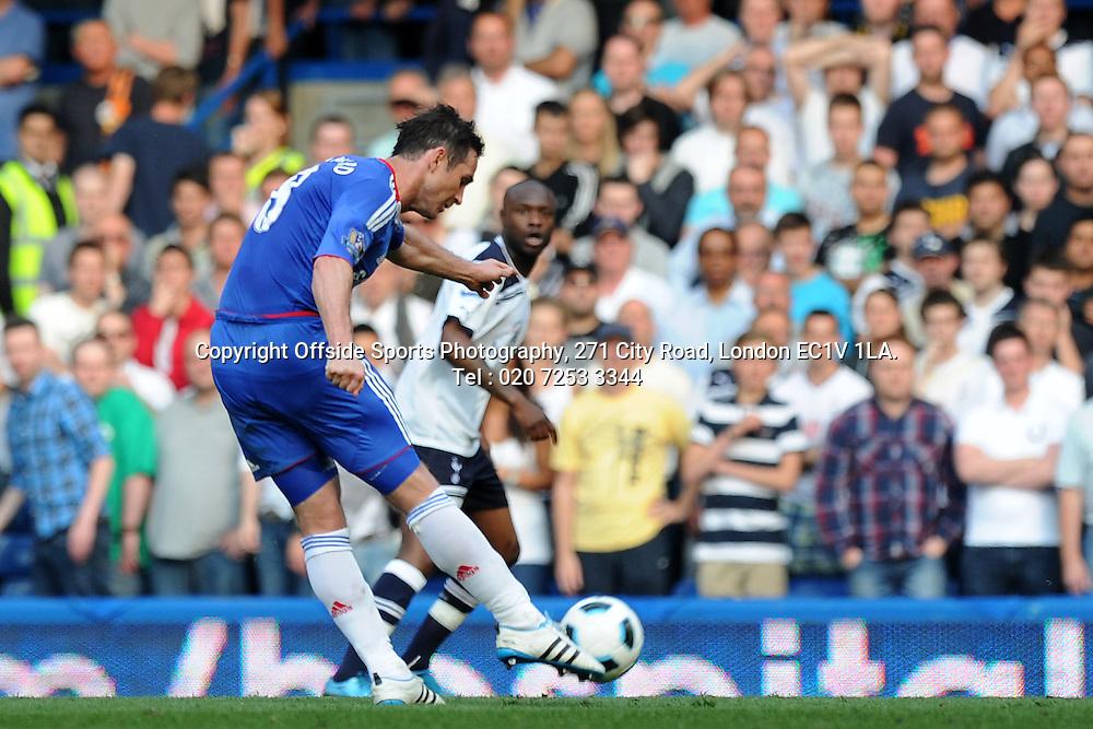 30/04/2011. Premier League football. Chelsea v Tottenham Hotspur.<br /> <br /> Chelsea's Frank Lampard scores his team's first goal<br /> <br /> Photo: Ben Angel / Offside