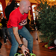 NLD/Amsterdam/20111208- Sky Radio Christmas tree for Charity, Dean Saunders
