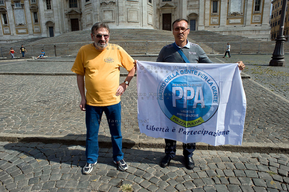 "Roma 6 Settembre 2014<br />  Prima manifestazione nazionale ""Orgoglio Italiano"".<br /> Per dire basta allo stupro della nostra patria, all' illeggittimità della classe politica, per chiedere le dimissioni del governo, e la chiusura immediata delle frontiere italiane. <br /> Rome September 6, 2014 <br />  First national demostration  ""Italian Pride"". <br /> To say stop the rape of our country, to illegitimacy of the political class, to demand the resignation of the government, and the immediate closure of the Italian borders."