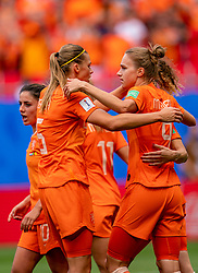 15-06-2019 FRA: Netherlands - Cameroon, Valenciennes<br /> FIFA Women's World Cup France group E match between Netherlands and Cameroon at Stade du Hainaut / Vivianne Miedema #9 of the Netherlands scores 1-0, Anouk Dekker #6 of the Netherlands