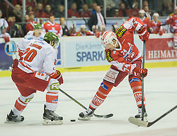 27.09.2015, Stadthalle, Klagenfurt, AUT, EBEL, EC KAC vs HCB Suedtirol, im Bild Flemming Brett (HCB Suedtirol #20), Jamie Lundmark (EC KAC, #74) // during the Erste Bank Eishockey League match betweeen EC KAC and HCB Suedtirol at the City Hall in Klagenfurt, Austria on 2015/09/27. EXPA Pictures © 2015, PhotoCredit: EXPA/ Gert Steinthaler