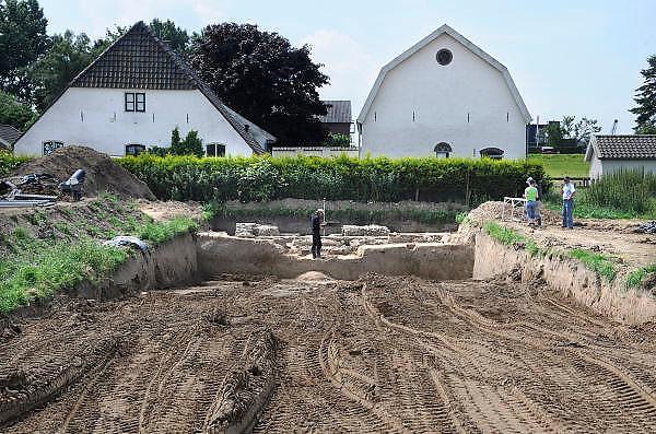 Nederland, Nijmegen, 3-7-2012Gebied van de voorgenomen dijkverlegging, verlegging van de dijk, teruglegging, om de rivier de Waal in de scherpe bocht bij Nijmegen meer ruimte te geven bij hoogwater dmv een extra geul.  Voorafgaand aan dit project wordt eerst archeologisch onderzoek gedaan.Foto: Flip Franssen/Hollandse Hoogte