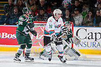 KELOWNA, CANADA - DECEMBER 30: Cole Linaker #26 of Kelowna Rockets looks for the pass against the Everett Silvertips on December 30, 2015 at Prospera Place in Kelowna, British Columbia, Canada.  (Photo by Marissa Baecker/Shoot the Breeze)  *** Local Caption *** Cole Linaker;