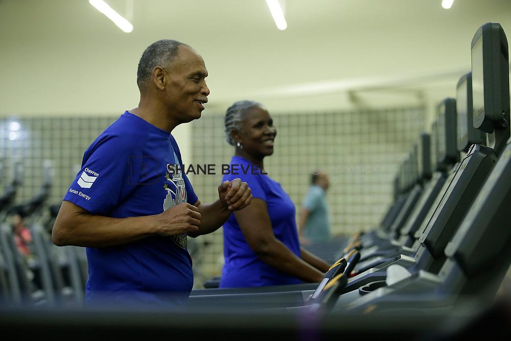 11/8/17 7:37:19 PM --  Charles and Shonda at Healthzone at SFHS. <br /> <br /> Photo by Shane Bevel