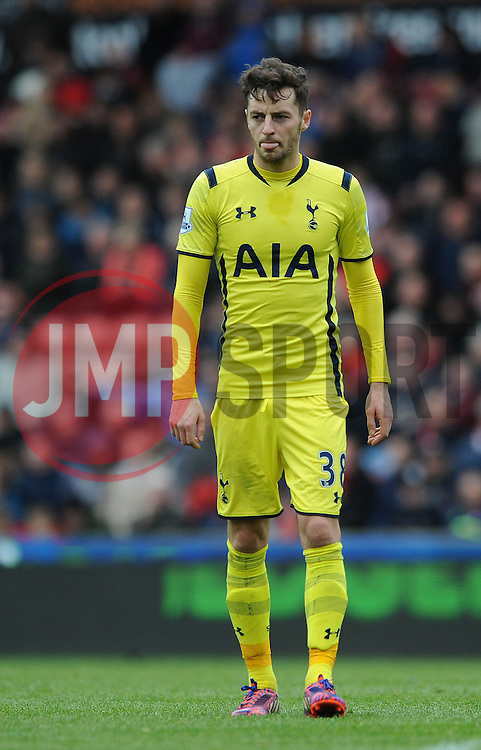 Tottenham Hotspur's Ryan Mason cuts a dejected figure - Photo mandatory by-line: Dougie Allward/JMP - Mobile: 07966 386802 - 09/05/2015 - SPORT - Football - Stoke - Britannia Stadium<br />  - Stoke v Tottenham Hotspur - Barclays Premier League