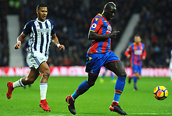Mamadou Sakho of Crystal Palace is under pressure from Jose Salomon Rondon of West Bromwich Albion-Mandatory by-line: Nizaam Jones/JMP - 01/12/2017 -  FOOTBALL - Cardiff City Stadium- Cardiff, Wales-  Cardiff City v Norwich City- Sky Bet Championship