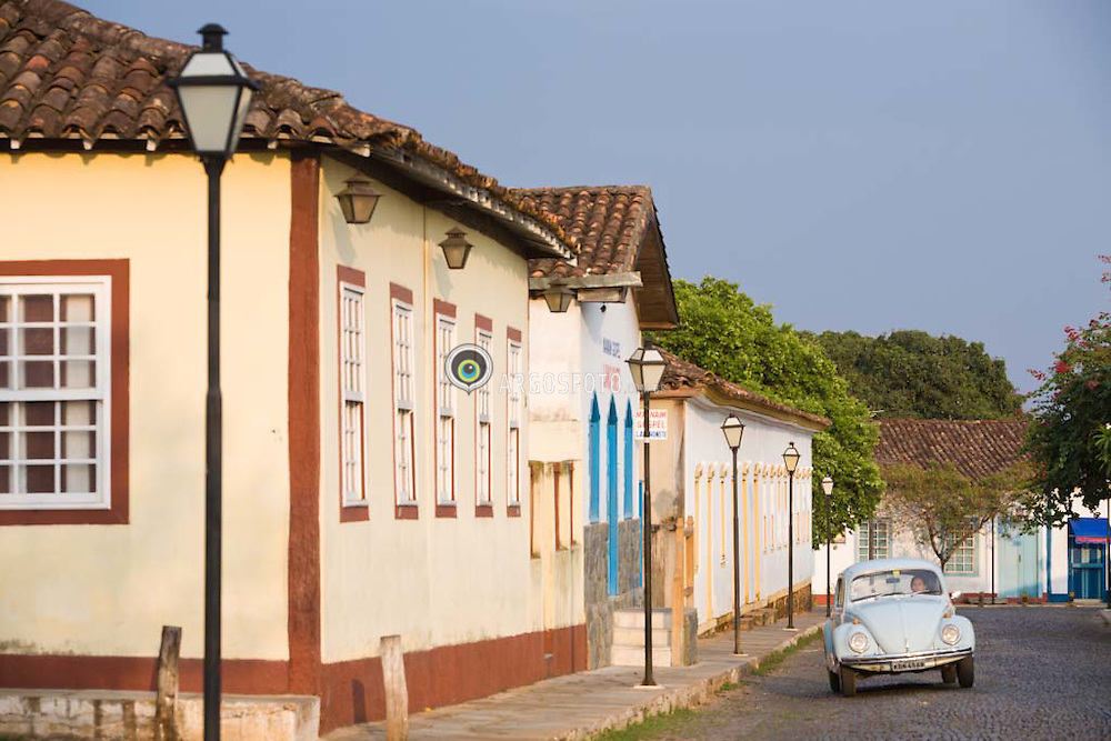 Cidade historica de Pirenopolis, em Goias. A cidade tem grande quantidade de Volkswagens Fuscas ainda rodando/ Pirenopolis is a town located in the Brazilian state of Goias. It is well-known for its waterfalls and colonial architecture