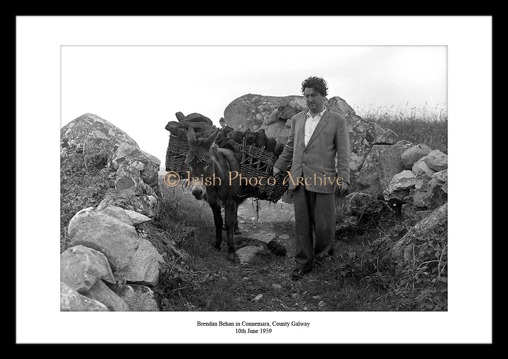 Irish photo Archive  provides the Perfect Irish Gift for Grandmothers who loves Ireland and all things Irish. Select your favorite  Irish Historic Photo prints, from Irish Fine Art Photography for Sale, available from Irish Photo Archive. Have a look at our lovely gift ideas for your Grandaunts Birthday.