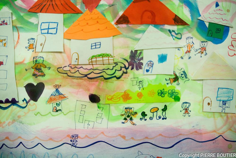 dessins d enfants  de  de la ville de Soma se rappelant du tsunami et du grand tremblement de terre au travers des dessins les enfants revent  dun monde sans debris