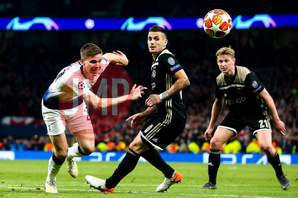 Juan Foyth of Tottenham Hotspur takes on Dusan Tadic of Ajax - Mandatory by-line: Robbie Stephenson/JMP - 30/04/2019 - FOOTBALL - Tottenham Hotspur Stadium - London, England - Tottenham Hotspur v Ajax - UEFA Champions League Semi-Final 1st Leg