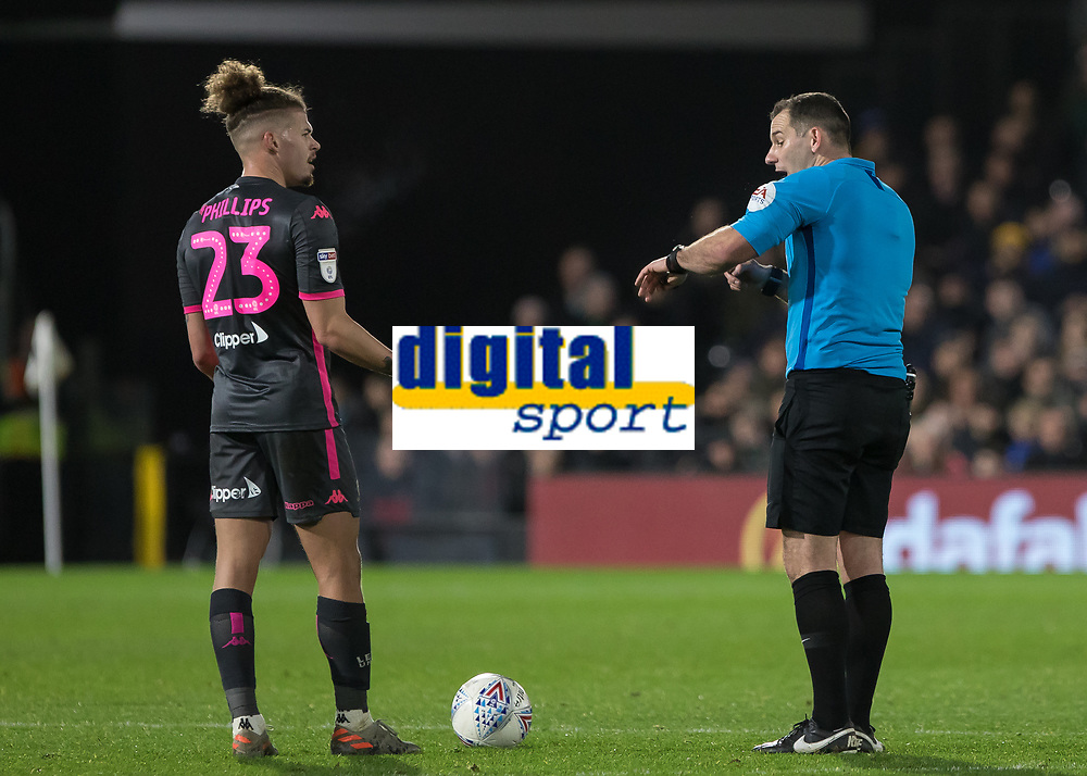 Football - 2019 / 2020 Sky Bet (EFL) Championship - Fulham vs. Leeds United<br /> <br /> Some of referee Robinson's decisions seem to confuse the players at Craven Cottage<br /> <br /> COLORSPORT/DANIEL BEARHAM