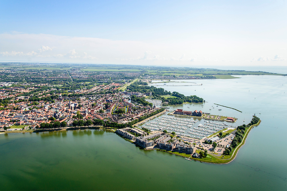 Nederland, Noord-Holland, Gemeente Hoorn, 05-08-2014; overzicht vanuit het Hoornsche Hop, zicht op de binnenstad met Grashaven (jachthaven) en Oostereiland<br /> Overview Hoorn.<br /> luchtfoto (toeslag op standard tarieven);<br /> aerial photo (additional fee required);<br /> copyright foto/photo Siebe Swart