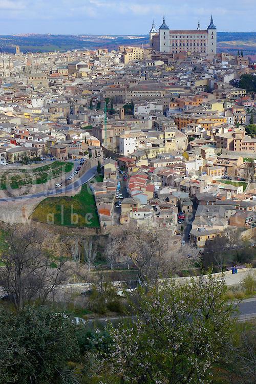 Alberto Carrera, Old town view and Alcazar, Toledo, World Heritage Site by UNESCO, Castilla La Mancha, Spain, Europe
