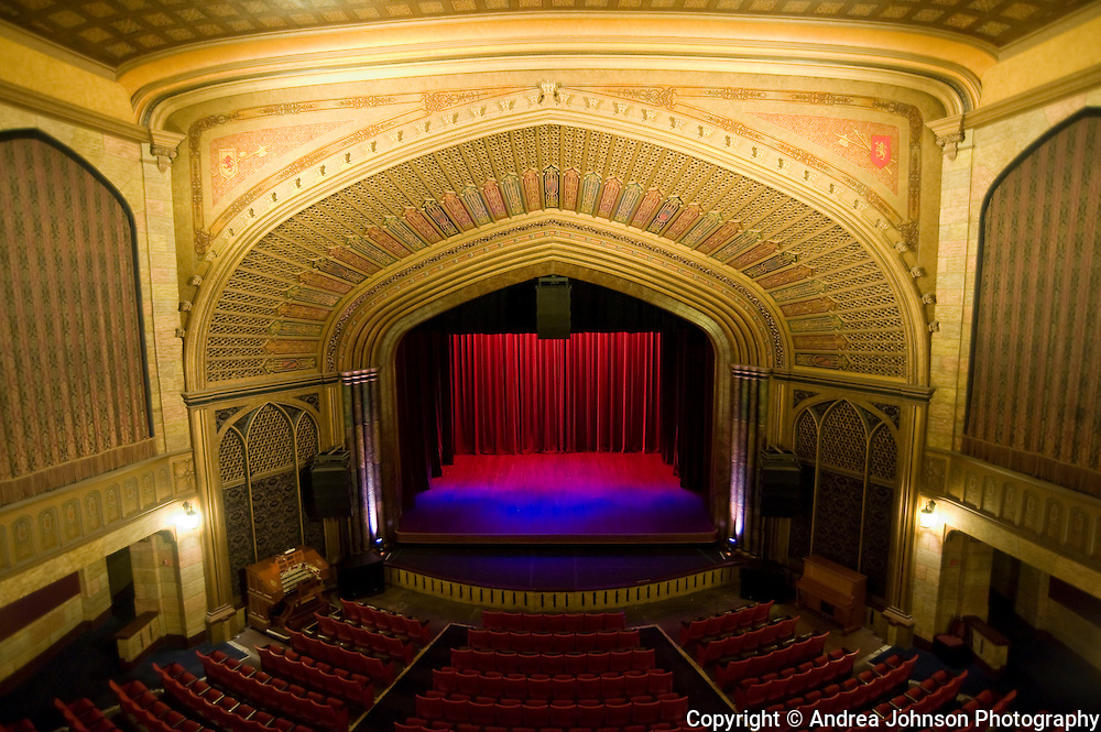 Elsinore Theatre, Salelm, Oregon