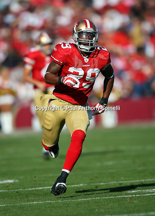 San Francisco 49ers running back Glen Coffee (29) runs downfield on special teams during the NFL football game against the Tennessee Titans, November 8, 2009 in San Francisco, California. The Titans won the game 34-27. (©Paul Anthony Spinelli)