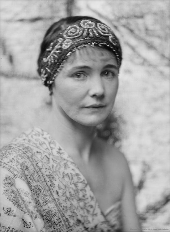 Ella Viola Ström, artist and poet, wife of Percy Grainger, 1927