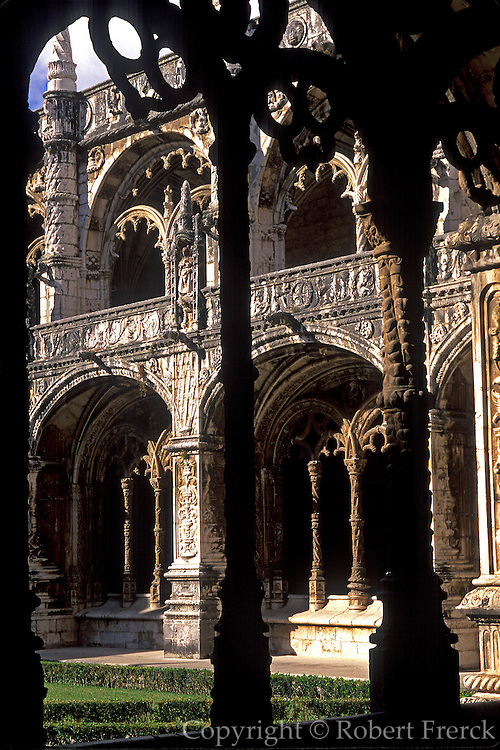 PORTUGAL, LISBON Mosteiro (Monastery) dos Jeronimos 15thc, masterpiece of 'Manueline' architecture; spectacular cloister with marine motifs