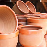 Artesanías (Cerámicas) de Greda en Pomaire. Chile. Crafts (Ceramics) of Greda in Pomaire. Chile.