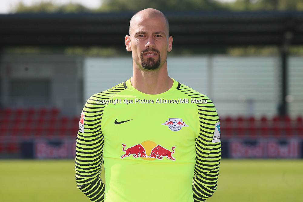 HANDOUT - 1. DFL, 1. Deutsche Bundesliga, RasenBallsport Leipzig, team photo shooting. Image shows Fabio Coltorti (RB Leipzig). Photo: GEPA pictures/ Sven Sonntag - For editorial use only. Image is free of charge. |