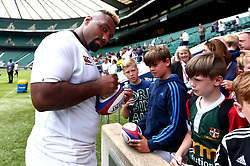 Jamal Ford-Robinson of England signs autographs after a training session at Twickenham ahead of the upcoming tour of Argentina - Mandatory by-line: Robbie Stephenson/JMP - 02/06/2017 - RUGBY - Twickenham - London, England - England Rugby Training