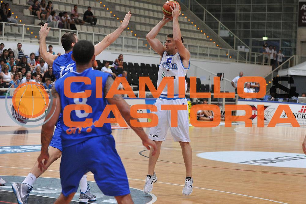 DESCRIZIONE : Trento Primo Trentino Basket Cup Italia Bosnia Erzegovi<br /> GIOCATORE : jeff viggiano<br /> CATEGORIA : tiro<br /> SQUADRA : Nazionale Italia Maschile<br /> EVENTO :  Trento Primo Trentino Basket Cup<br /> GARA : Italia Bosnia Erzegovi<br /> DATA : 26/07/2012<br /> SPORT : Pallacanestro<br /> AUTORE : Agenzia Ciamillo-Castoria/M.Gregolin<br /> Galleria : FIP Nazionali 2012<br /> Fotonotizia : Trento Primo Trentino Basket Cup Italia Bosnia Erzegovi<br /> Predefinita :