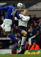 Fotball - Premier League - 12.01.2003<br />Tottenham v Everton<br />Steffen Iversen - Spurs<br />Joseph Yobo - Everton<br />Foto: Javier Garcia, Digitalsport