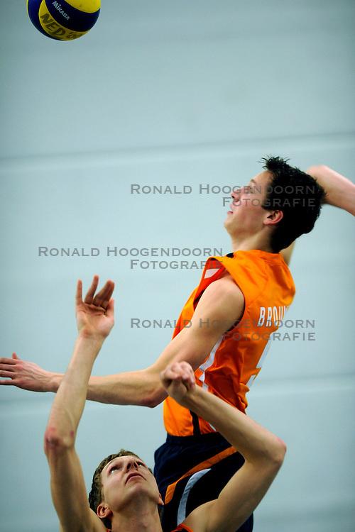 16-03-2009 VOLLEYBAL: SELECTIE JEUGD ORANJE MANNEN: AMERSFOORT<br /> EK Team 2008 - 2009 / Joost Doude van Troostwijk<br /> &copy;2009-WWW.FOTOHOOGENDOORN.NL