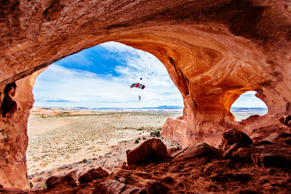 BASE jumping Looking Glass Arch, Moab Utah