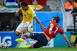 Paulinho em lance da partida entre Brasil x Colombia, válida pelas quartas de final da Copa do Mundo 2014, no Estádio Castelão, em Fortaleza-CE. FOTO: Jefferson Bernardes/ Agência Preview