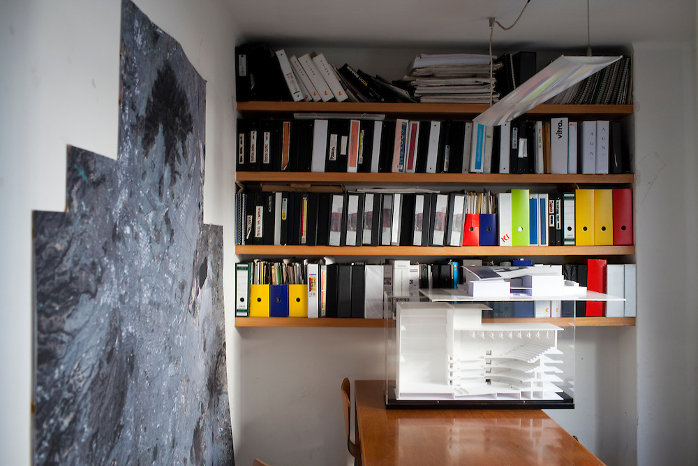 Inside the office of  Arquitectura 911Sc  in Mexico City.