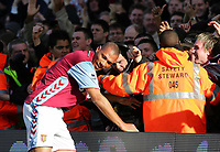 JOHN CAREW CELEBRATES WITH CROWD. FULHAM V ASTON VILLA. BARCLAYS PREMIERSHIP. 03/03/2007. CREDIT COLORSPORT / KIERAN GALVIN